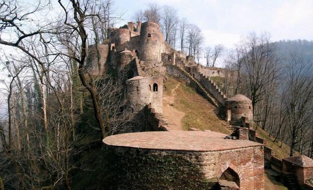 A 1 castelo de Radkhan