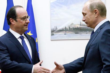 Hollande_Putin_RTR4GXZJ_468